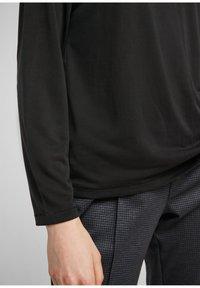 s.Oliver - DROPPED SHOULDER - Long sleeved top - black - 3