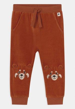 TROUSERS FACE AT KNEE UNISEX - Kalhoty - dark dusty orange
