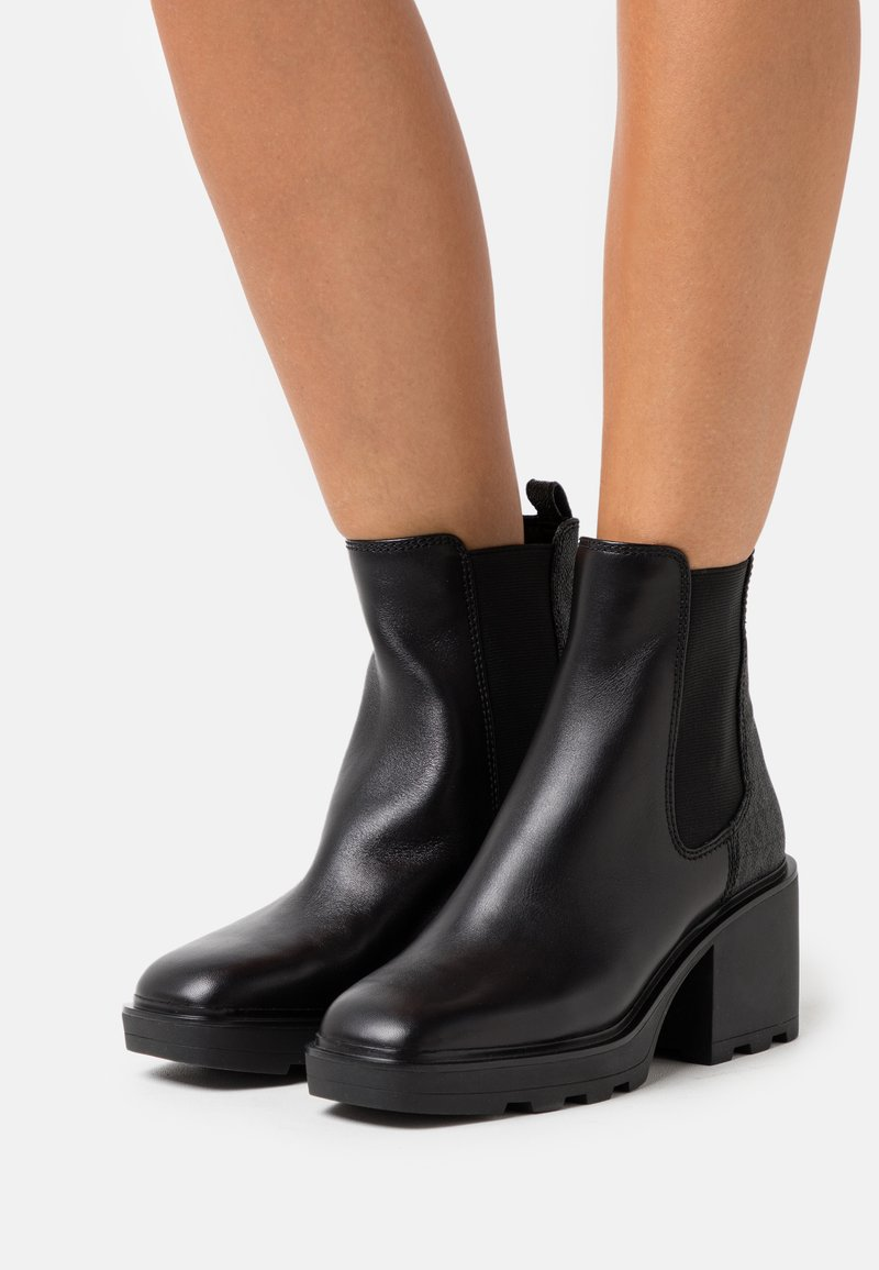 MICHAEL Michael Kors - KEISHA BOOTIE - Kotníkové boty na platformě - black