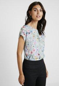 Anna Field - Print T-shirt - goblinblue - 0