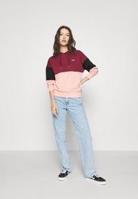 Fila - SANJA CROPPED HOODY - Hoodie - tawny port/black/coral cloud - 1