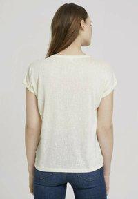 TOM TAILOR DENIM - Basic T-shirt - soft creme beige - 2
