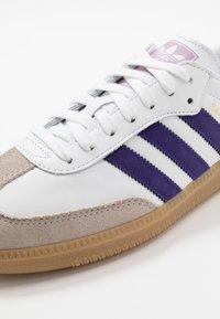 adidas Originals - SAMBA FOOTBALL - Sneaker low - footwear white/collegiate purple/soft vision - 5