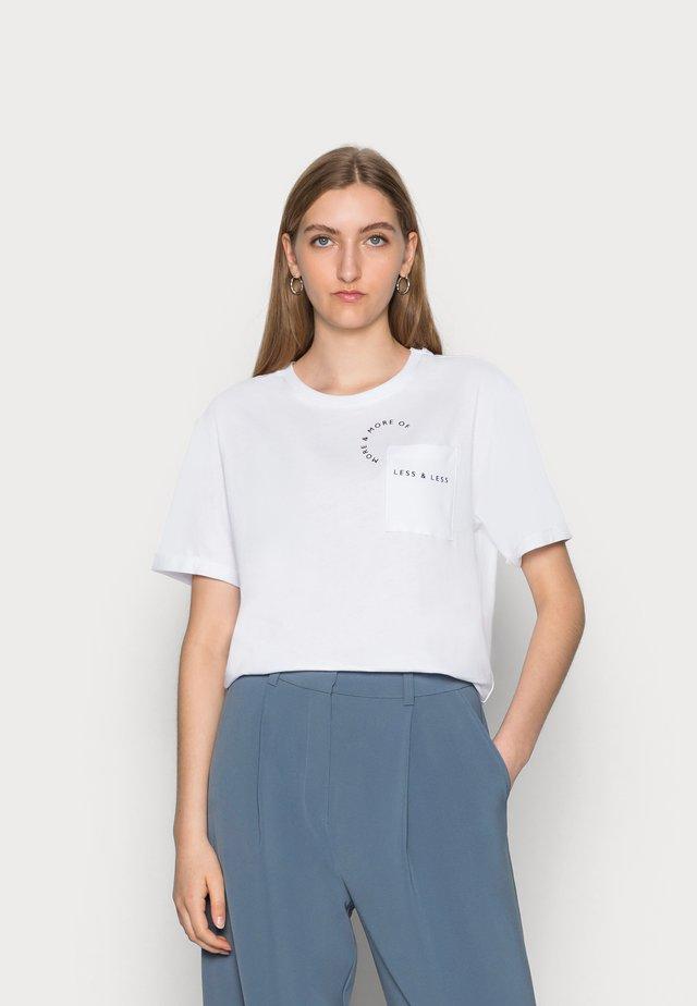 PRINTED TEE - Print T-shirt - white
