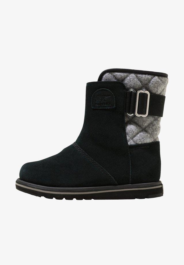 RYLEE - Winter boots - black-grey