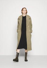 JDY - JDYPIPER ABOVE CALF DRESS - Košilové šaty - black - 1