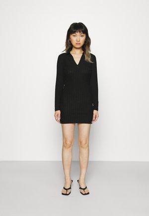 LONGSLEEVE V NECK COLLAR MINI DRESS - Pouzdrové šaty - black