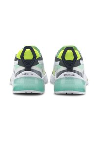Puma - PUMA LQDCELL OPTIC XI RUNNING SHOES MALE - Neutrala löparskor - white-g glimmer-y alert - 4