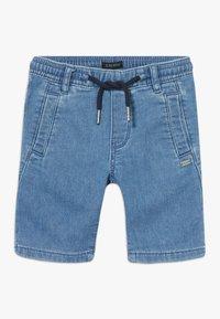 IKKS - BERMUDA - Short en jean - blue bleach - 0