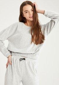 DeFacto - Sweatshirt - grey - 5
