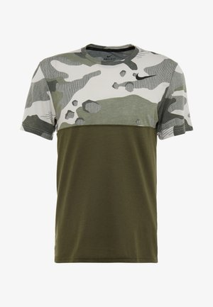 DRY CAMO - Print T-shirt - cargo khaki/light bone/black