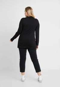 ONLY Carmakoma - CARMILY - Džíny Straight Fit - black denim - 2