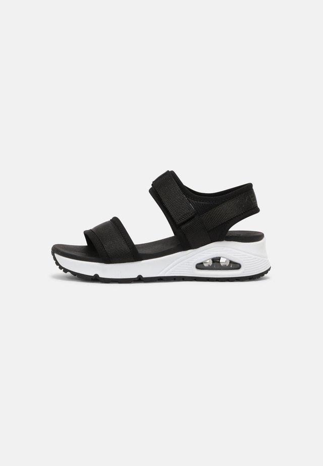 UNO - Sandały - black/white