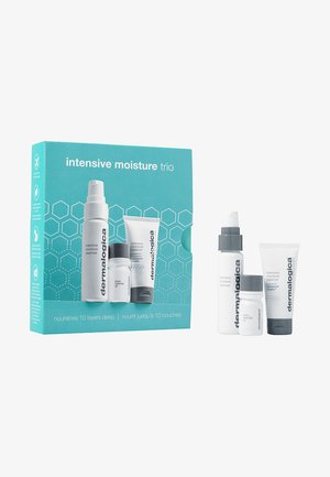 INTENSIVE MOISTURE TRIO - Skincare set - -
