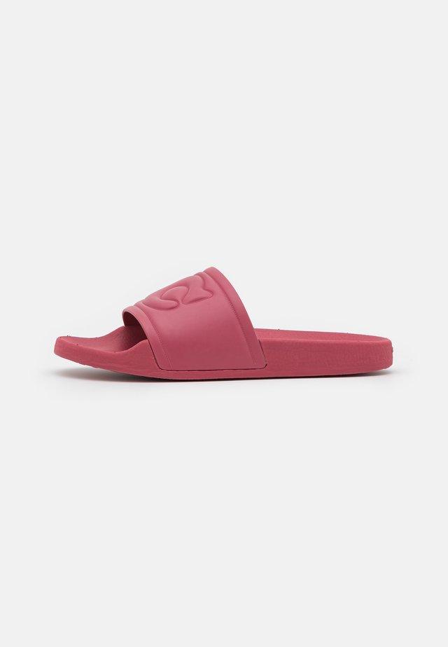 ULLA SLIDE - Pantofle - rouge