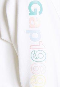 GAP - CROP RAW EDGE - Sweatshirt - fresh white - 2