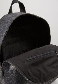 Calvin Klein - MONO ROUND BACKPACK - Tagesrucksack - black - 5