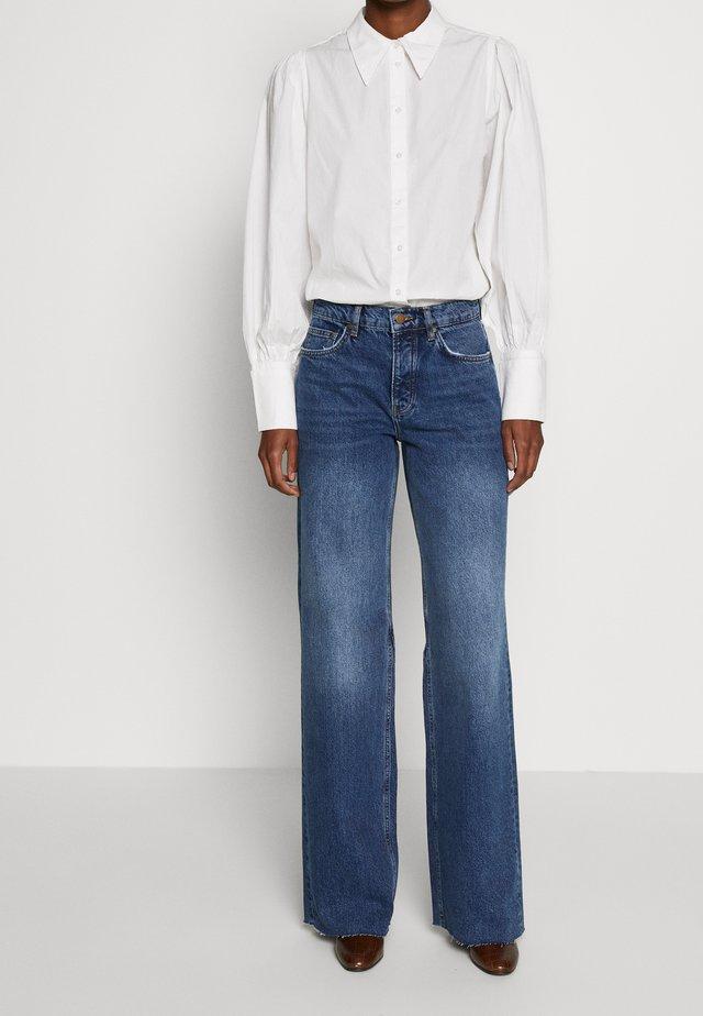 VMALEXA WIDE LEG - Bootcut jeans - medium blue denim
