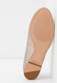 Clarks - GRACE PIPER - Ballet pumps - stone - 6