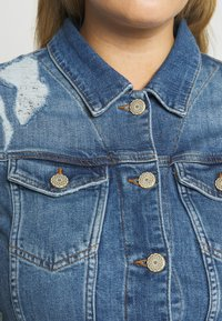 ZAY - YRIPPED JACKET - Denim jacket - light blue denim - 4