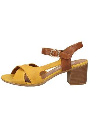 REMONTE SANDALEN - Sandals - gelb/muskat 68