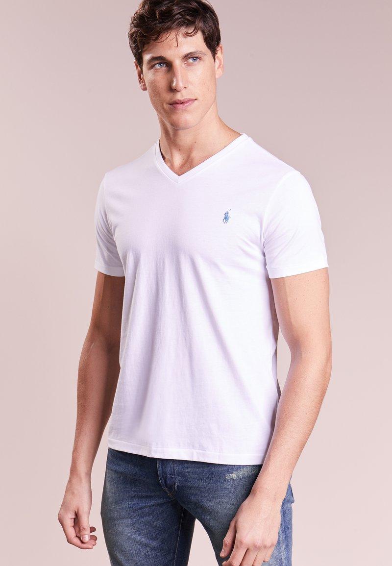 Polo Ralph Lauren - CUSTOM SLIM FIT JERSEY V-NECK T-SHIRT - T-paita - white