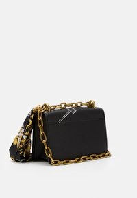 Versace Jeans Couture - CROSS BODY FLAP CHAINCUCITURE - Across body bag - nero - 2