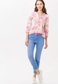 BRAX - STYLE CARO  - Slim fit jeans - used fresh blue - 1
