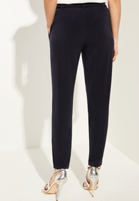 comma - Tracksuit bottoms - navy - 2