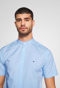 Tommy Hilfiger - STRETCH POPLIN - Hemd - blue