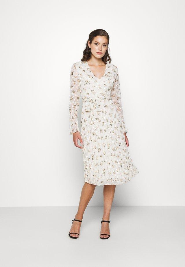 Vestido informal - ivory