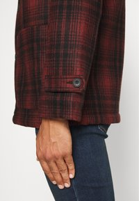 Nudie Jeans - MANGAN - Summer jacket - brick red - 6