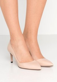 HUGO - HELLIA - Classic heels - nude - 0