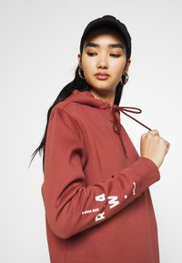 G-Star - GRAPHIC TEXT BF HOODED - Strikket kjole - cinnamon red - 4
