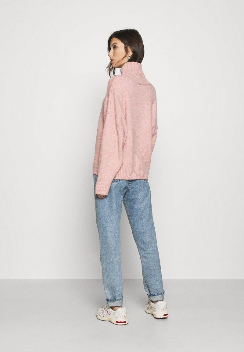 Monki FLORA - Strickpullover - pink hW3HZB
