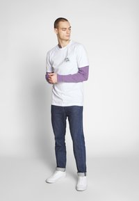 Cleptomanicx - GULLCOASTER - T-shirt con stampa - white - 1