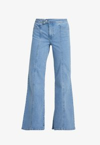 FRONT SEAM - Flared Jeans - mid blue