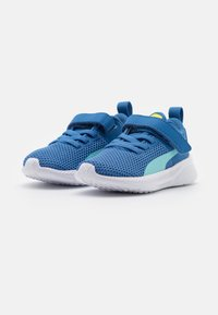 Puma - FLYER RUNNER UNISEX - Neutral running shoes - star sapphire/blue - 1