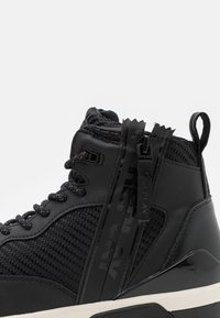 Replay - MISSION - High-top trainers - black/white - 5