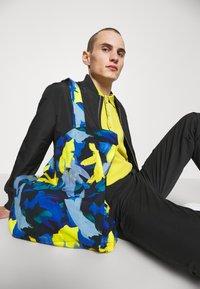 STUDIO ID - TOTE BAG L - Tote bag - multicoloured/blue - 1