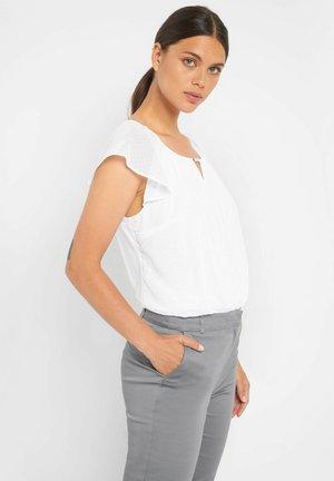 MIT PUNKTEN - Bluse - weiß