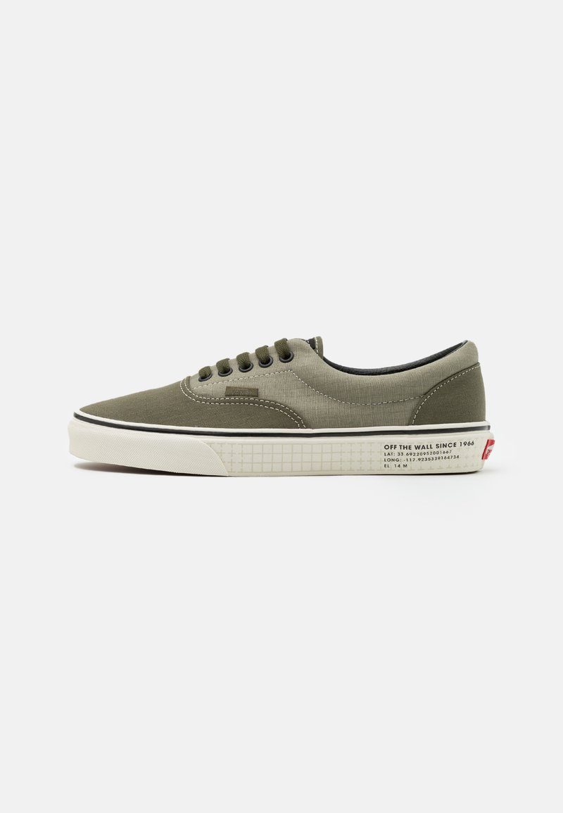 Vans - ERA UNISEX - Trainers - vetiver/grape leaf