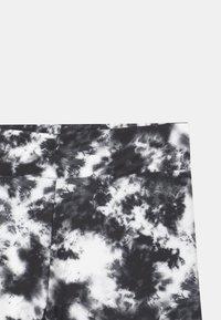 Cost:bart - NELLY BIKE - Shorts - black/white - 2
