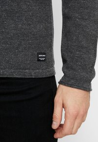 Jack & Jones - JJEHILL - Jumper - dark grey melange - 3