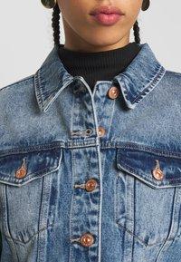 Pieces - PCLOU JACKET - Denim jacket - light blue denim - 5