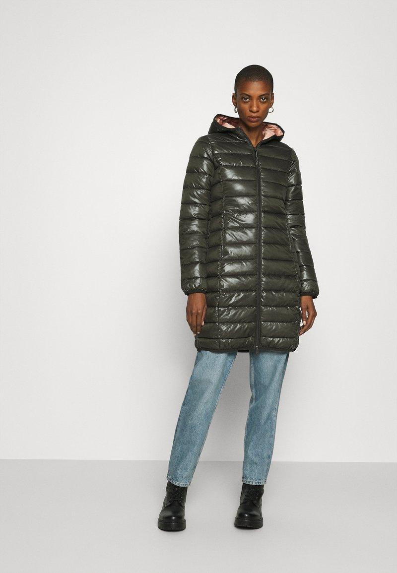 Q/S designed by - OUTDOOR - Zimní kabát - olive