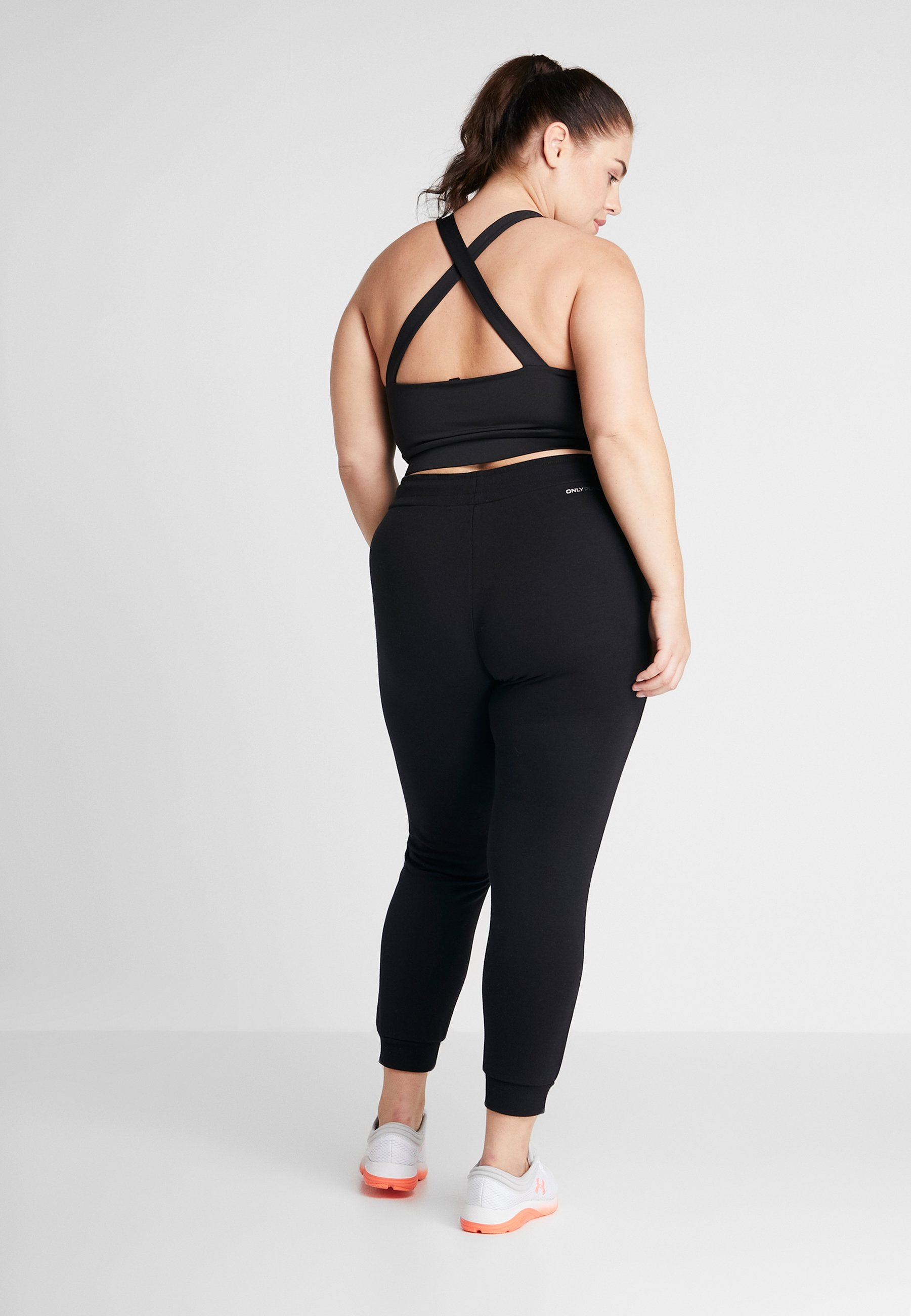 ONLY Play ONPELINA PANTS CURVY  - Tracksuit bottoms - black SFcDe