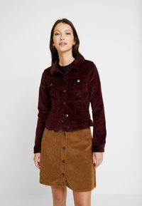 Vero Moda - VMSOYA SLIM JACKET - Summer jacket - port royale - 0