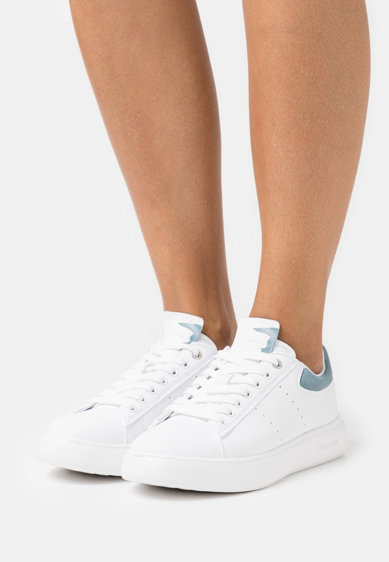 Trussardi - YRIAS MIX - Sneakersy niskie - white/light blue