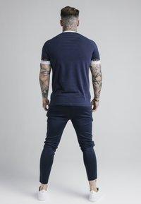 SIKSILK - DELUXE RINGER - T-shirt print - navy - 3